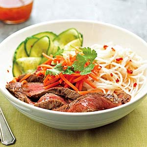 spicy-beef-and-noodle-salad-R115587-ss