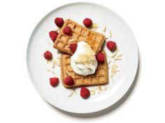 breakfast waffle sundae